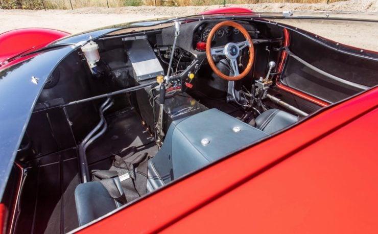 Shelby De Tomaso P70 Interior