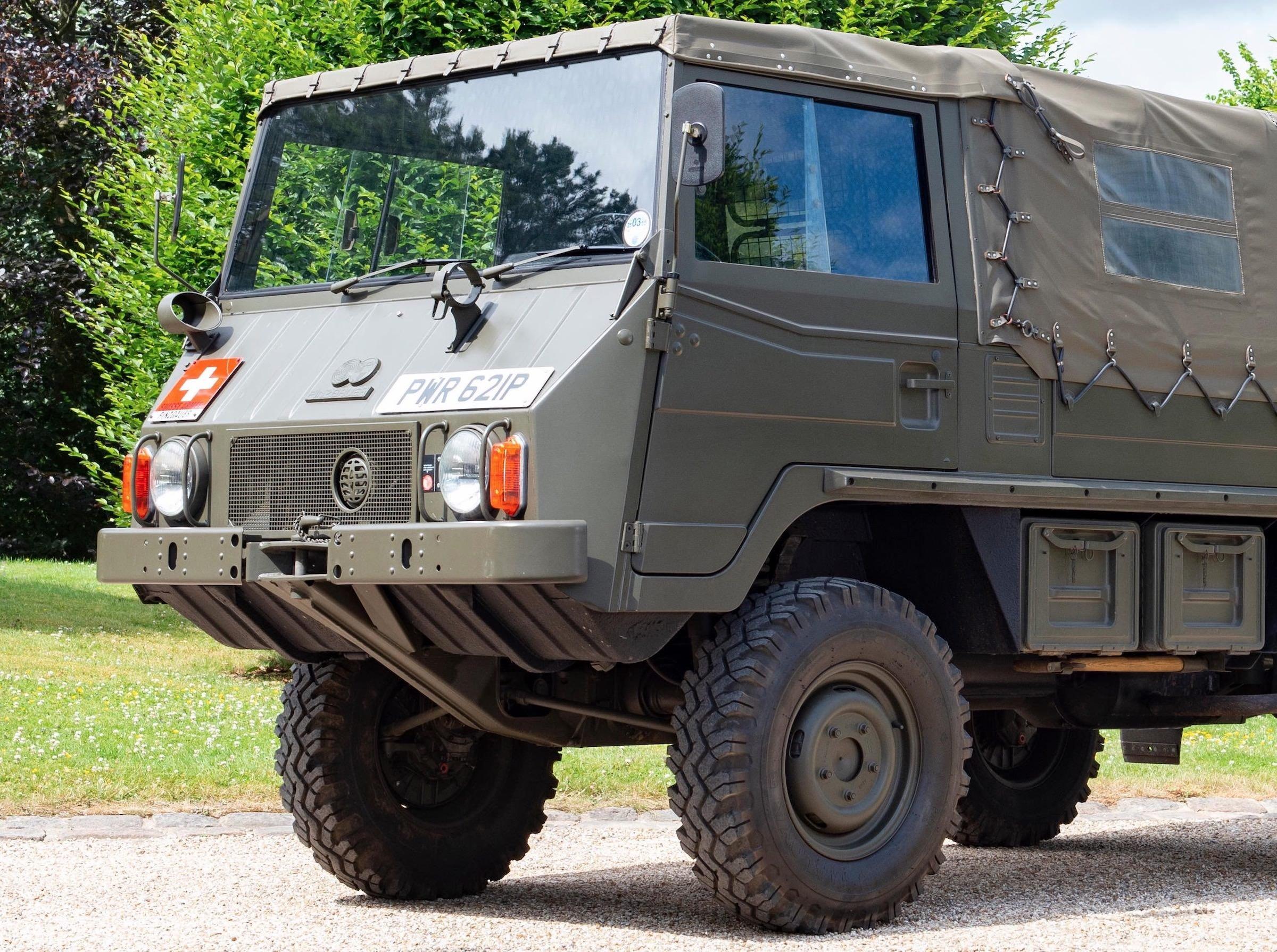 Steyr-Daimler-Puch Pinzgauer 4x4 Front