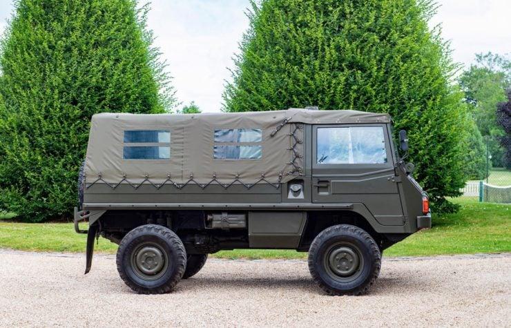 Steyr-Daimler-Puch Pinzgauer 4x4 Side