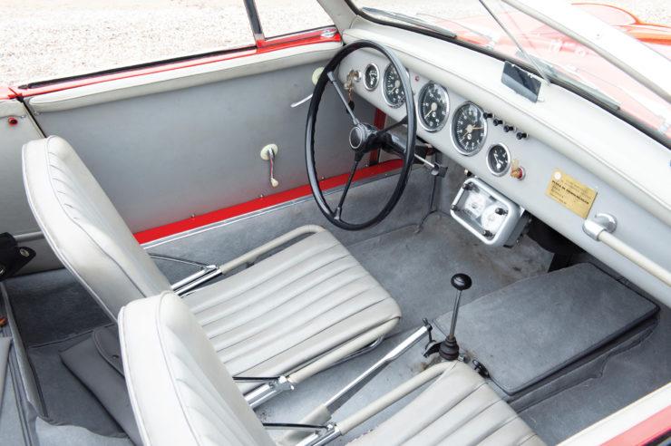 WD Denzel 1300 Interior 2