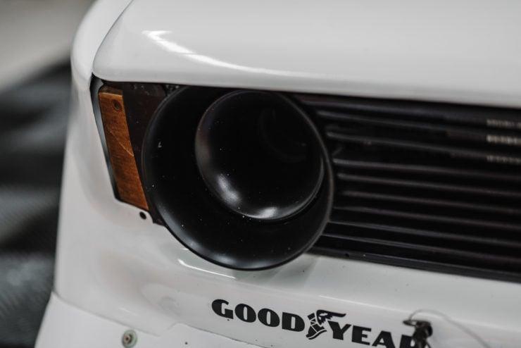BMW 320i Turbo Intake