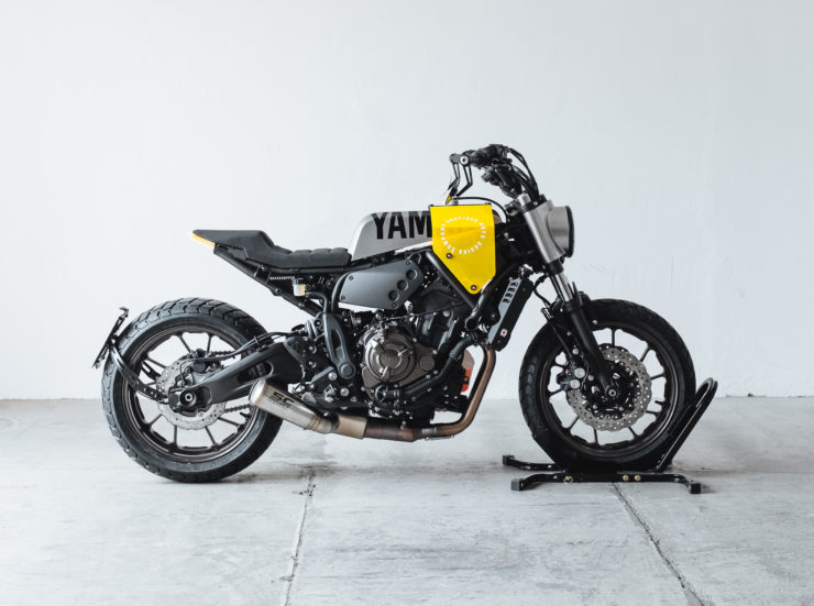 Custom Yamaha XSR700 Side