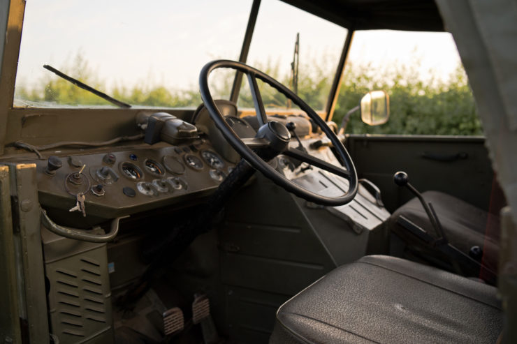 Mercedes-Benz Unimog 404 Interior 2
