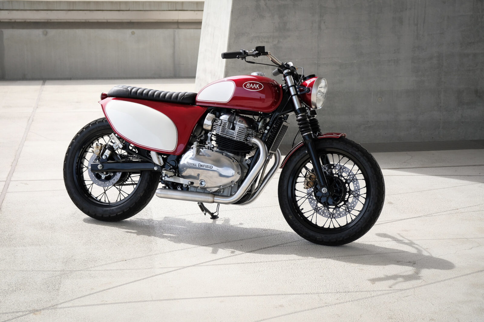 Royal Enfield 650 Interceptor Custom by Baak Motocyclettes