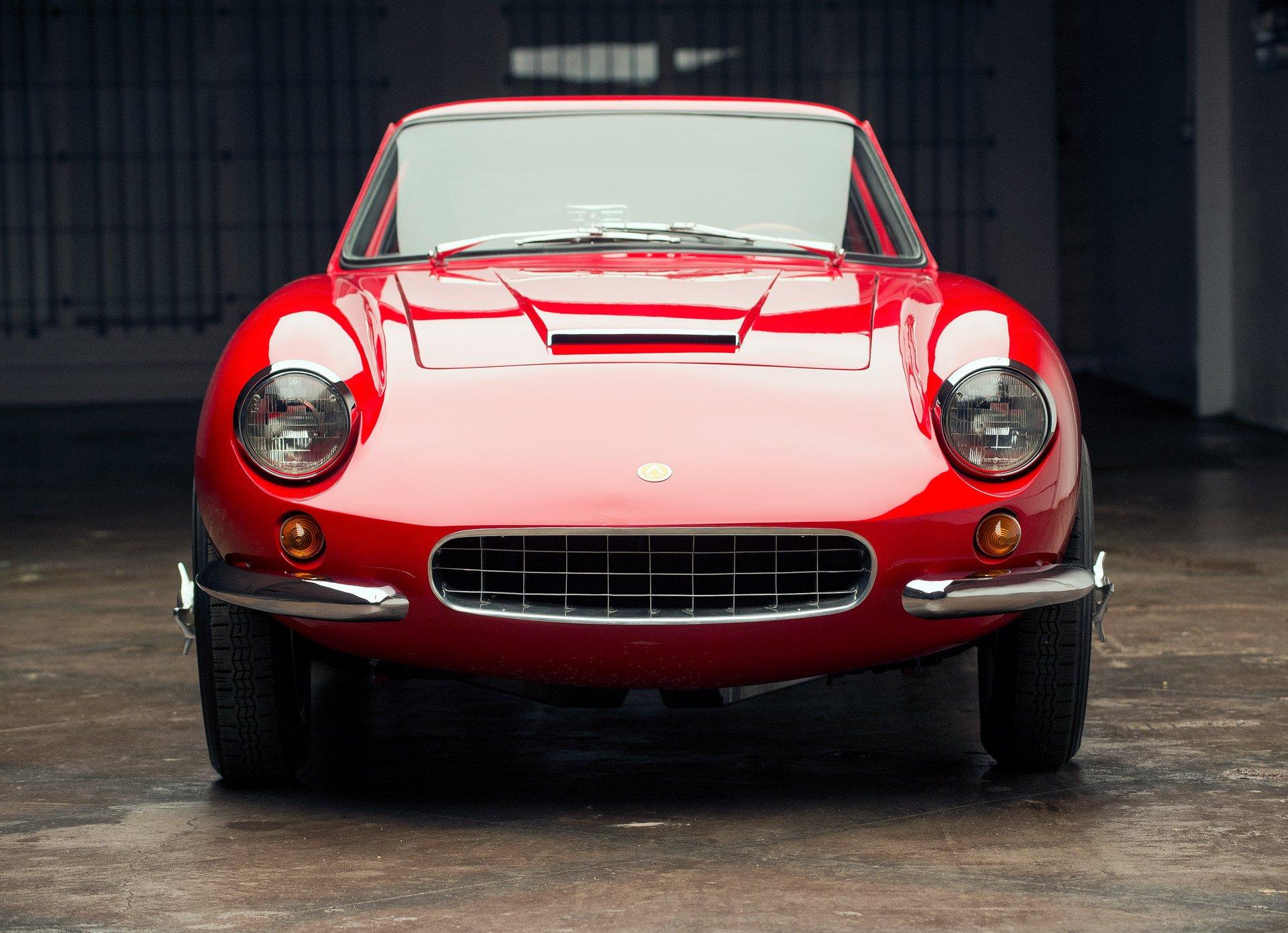 Apollo 3500 GT Front