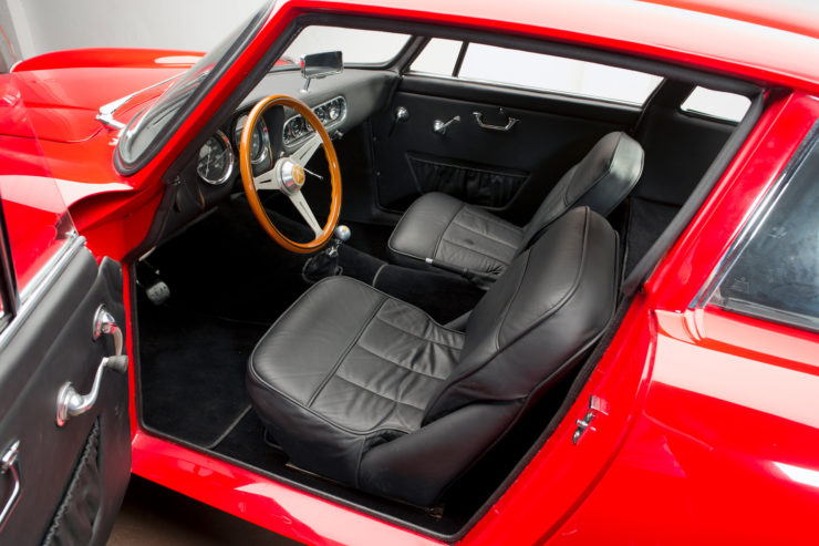 Apollo 3500 GT Interior 2