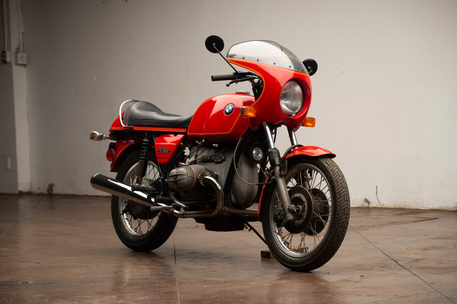 The BMW R90S - The Motorcycle That Launched BMW Into The Modern Age