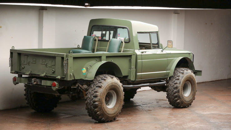 Custom Kaiser Jeep M715 Pickup Truck Rear 2