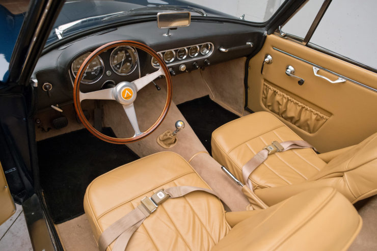 Apollo 3500 GT Spider Interior 1
