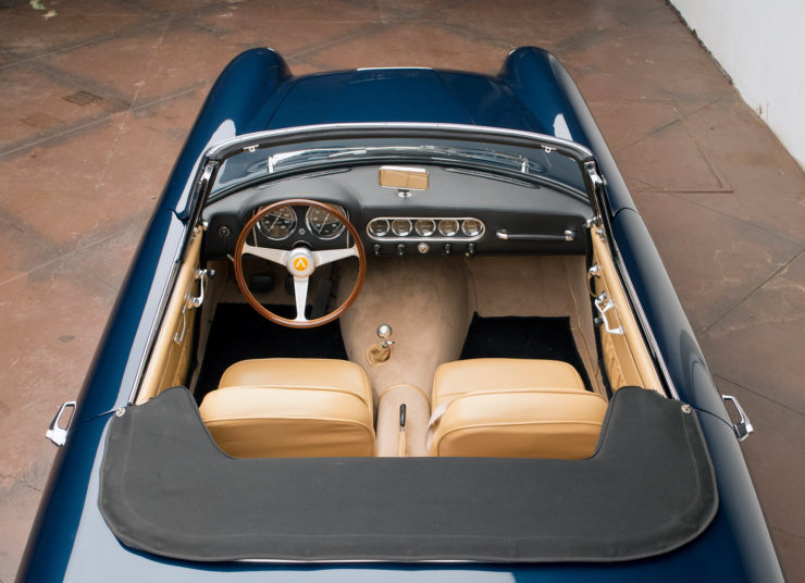 Apollo 3500 GT Spider Interior