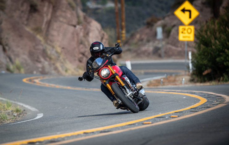 Arch Motorcycle KRGT-1 Aaction 2