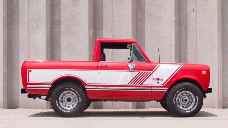 International Harvester Scout II Side