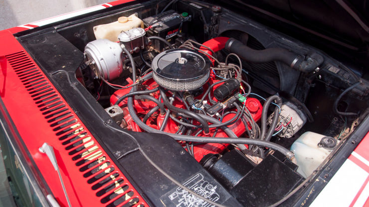 International Harvester Scout II V8 Engine