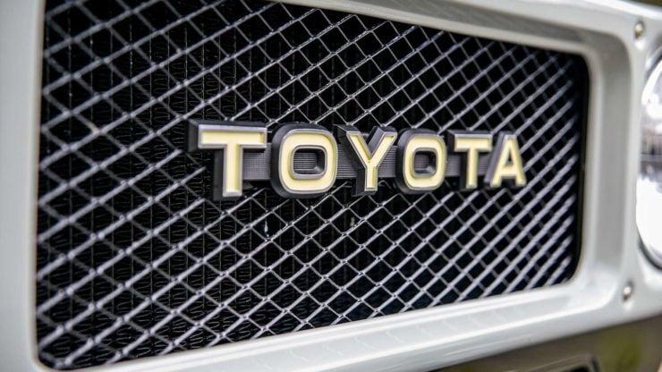 Toyota FJ-45 Land Cruiser Pickup Grille