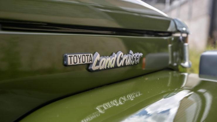 Toyota FJ-45 Land Cruiser Pickup Logo