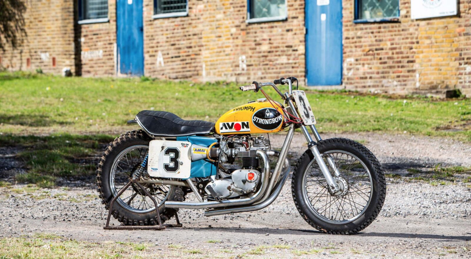 Triumph Strongbow Flat Tracker