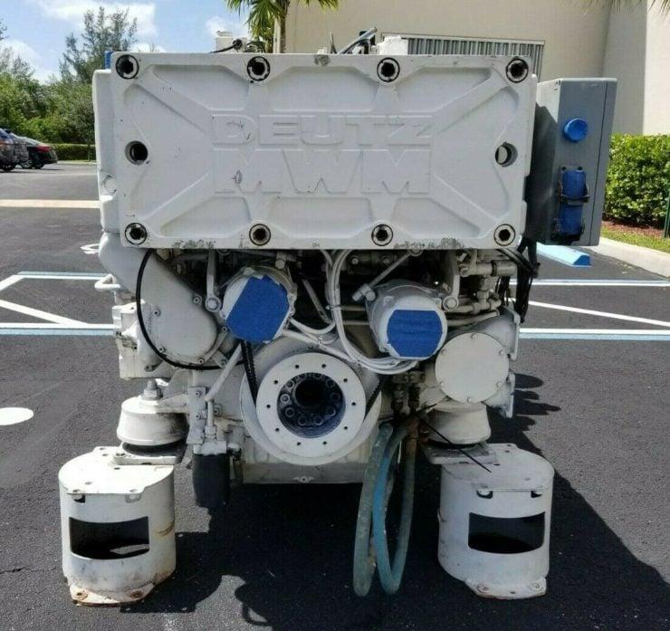 Twin-TurboDeutz V16 Marine Diesel Engine Front 2