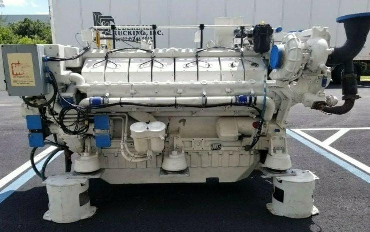 Twin-TurboDeutz V16 Marine Diesel Engine Side