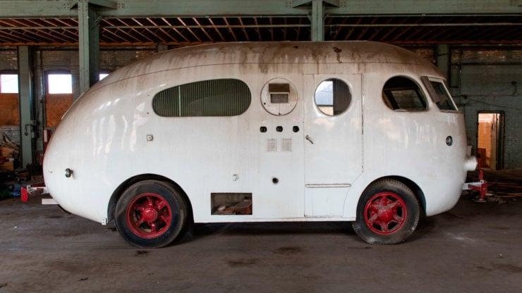 Western Clipper Motorhome Side