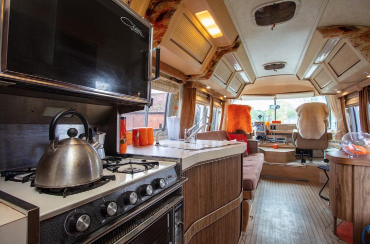 Airstream Excella 280 Motorhome Interior 1