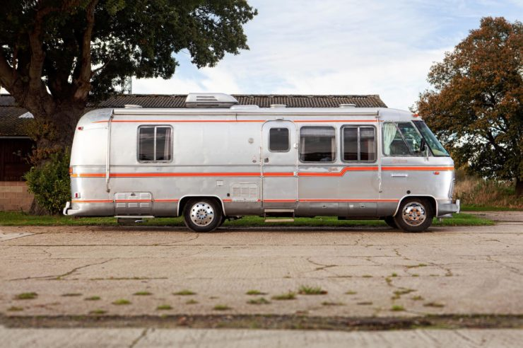 Airstream Excella 280 Motorhome Side 2