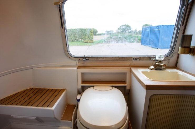 Airstream Excella 280 Motorhome Toilet