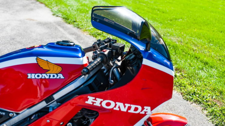 Honda VF1000R 6