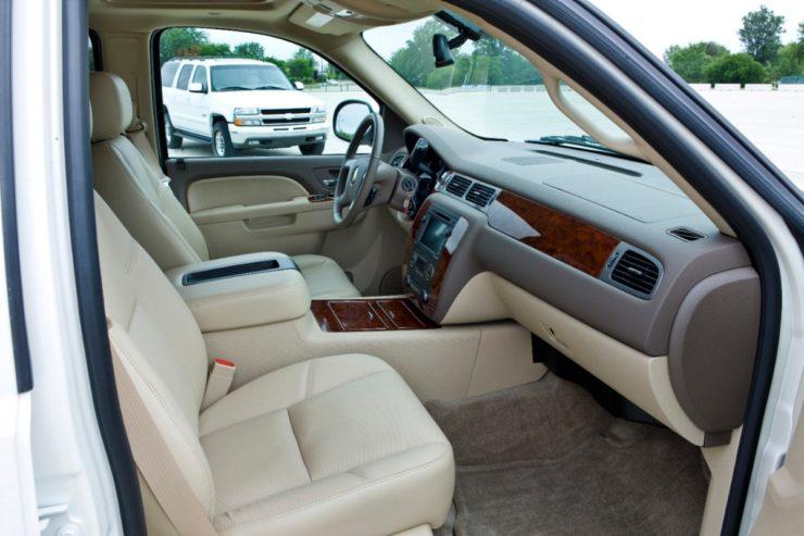 Chevrolet Suburban Anniversary Edition interior