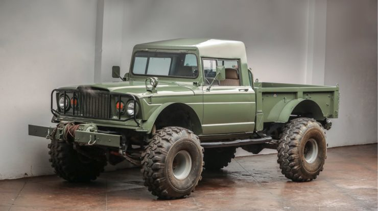 Custom-Kaiser-Jeep-M715-Pickup-Truck