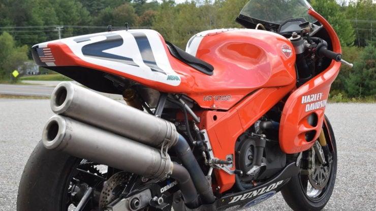 Harley-Davidson VR1000 Exhaust