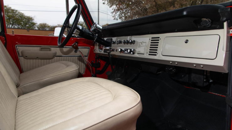 Holman Moody Ford Bronco Prototype - The Bronco Hunter Interior 2