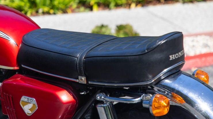 Honda CB750 Sandcast Seat 2