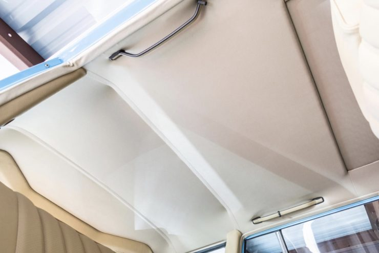 Mercedes-Benz 300TD Station Wagon Ceiling