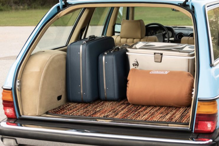 Mercedes-Benz 300TD Station Wagon Luggage