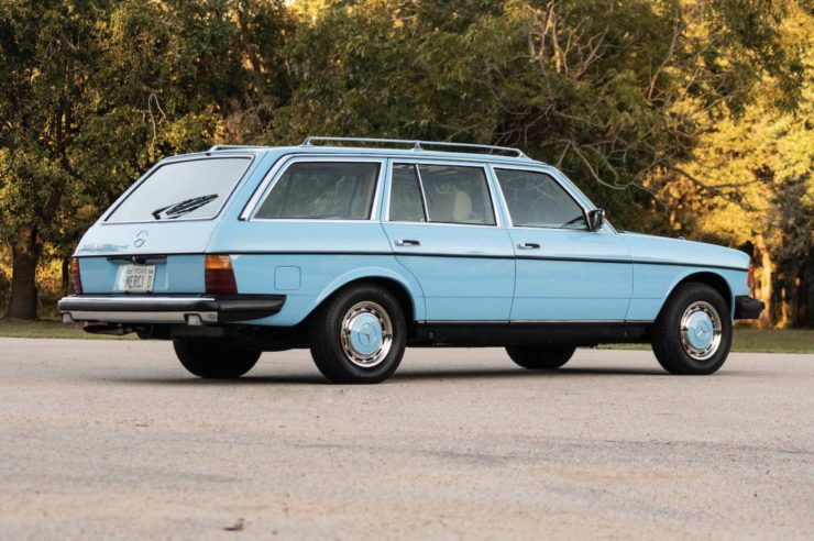 Mercedes-Benz 300TD Station Wagon Rear