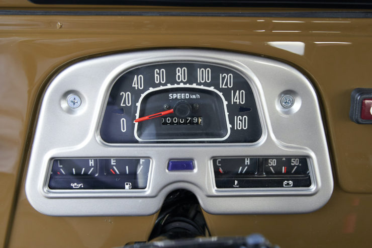 Toyota FJ40 Land Cruiser Soft-Top Gauges