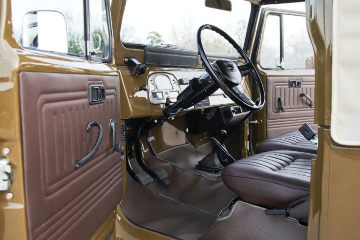 Toyota FJ40 Land Cruiser Soft-Top Interior