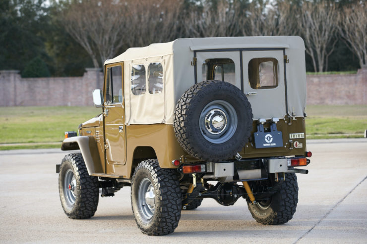 Toyota FJ40 Land Cruiser Soft-Top Rear