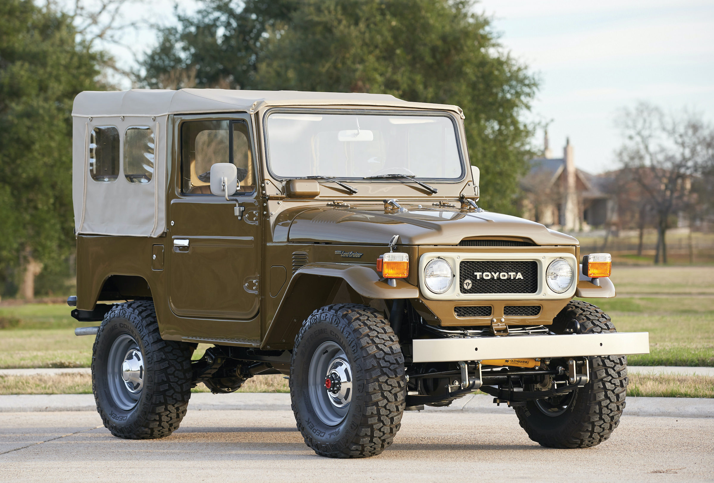 Jeep Soft Top Parts >> 1980 Toyota FJ40 Land Cruiser Soft-Top - The Mighty Japanese Jeep Rival