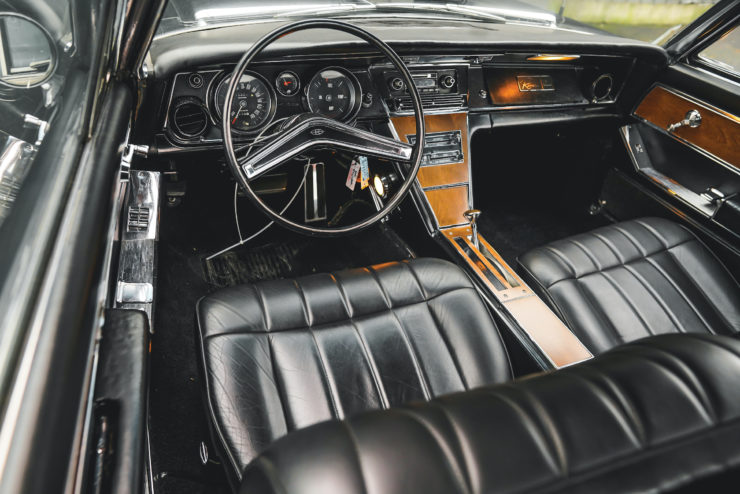 1965 Buick Riviera Front Seats