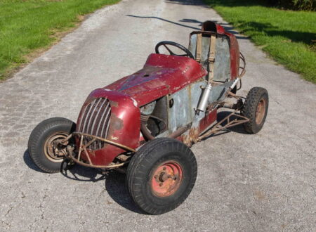 Harley-Davidson Powered TQ Midget Race Car 1
