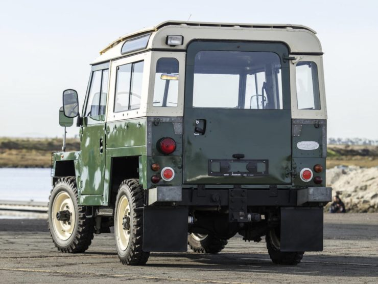 LAND ROVER LIGHTWEIGHT BACK