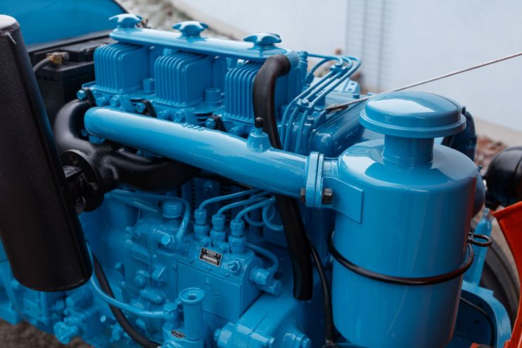 Lamborghini Tractor 2 R Engine 2