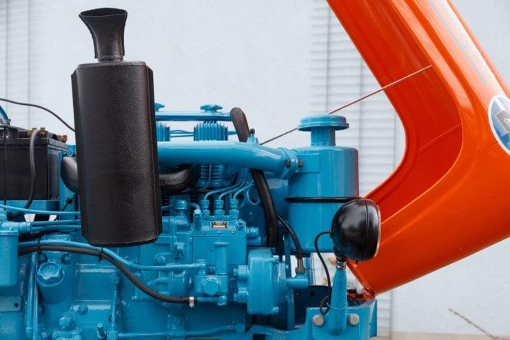 Lamborghini Tractor 2 R Engine