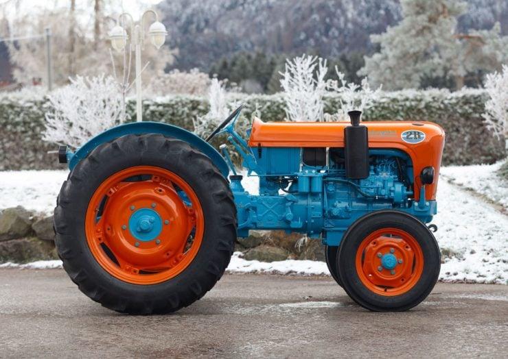 Lamborghini Tractor 2 R Side