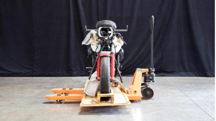 Moto Guzzi 850 Le Mans III Front