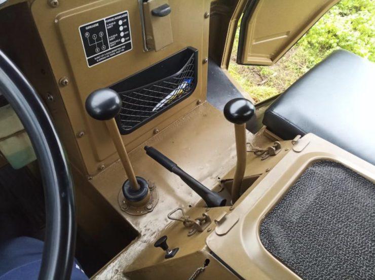 Volvo L3314 Laplander 4x4 Gear Levers