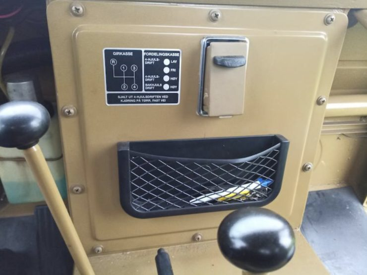 Volvo L3314 Laplander 4x4 Shifter