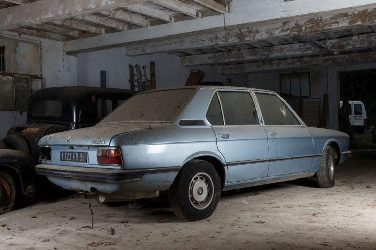 BMW 525 E12 Back