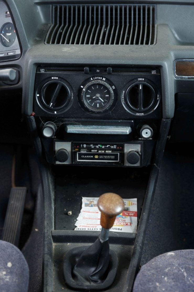 BMW 525 E12 Console